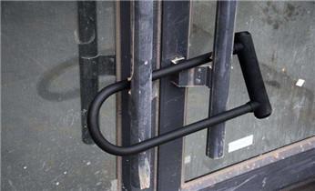 开锁保险柜公司电话-应急开修换卷帘门 车控门 配车库遥控器_电子智能指纹保险箱柜开锁修锁换锁-更改指纹密码