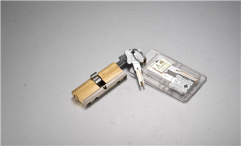 开锁换锁公司电话-门禁卡锁安装-电子智能指纹锁安装修改密码_电子指纹锁保险箱柜开锁维修换锁-修改保险箱柜密码指纹