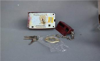 开汽车锁公司电话-开锁维修锁换锁体芯/配汽车遥控钥匙_指纹锁开锁修锁换锁公司电话-专业维修改指纹密码