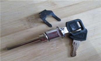 保险箱柜开锁维修换锁-修改电子指纹智能密码_开锁公司电话-电子智能指纹锁安装-房门锁-卷闸帘门锁