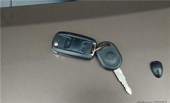 开汽车尾箱锁 配遥控智能钥匙电话_摩托车汽车专业开锁修锁 匹配芯片钥匙电话