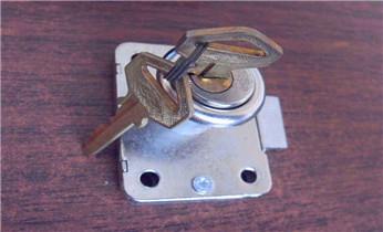 开锁公司电话-专业开汽车锁 配遥控钥匙 开后尾箱锁_开锁保险柜公司电话-附近专业开锁修锁换锁指纹锁安装