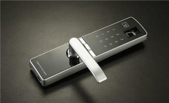 开修换卷帘门 挂锁钥匙 车控门 车库门锁_开修换安装电子指纹锁 开修保险柜密码锁