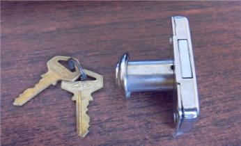 附近开锁师傅-专业汽车-保险柜-防盗门开锁修锁换锁_开保险柜箱锁公司电话-专业开锁修锁换锁芯匹配钥匙