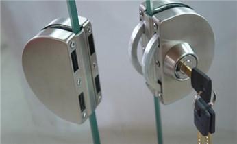 开锁公司电话-专业开汽车锁 配遥控钥匙 开后尾箱锁_开锁公司电话-开锁维修锁换锁体芯-电子智能指纹锁安装