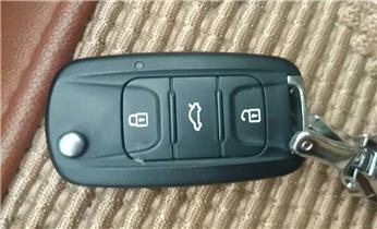 附近正规专业开锁换锁芯维修锁师傅公司的电话_附近专业开锁修锁换锁汽车锁配钥匙电话