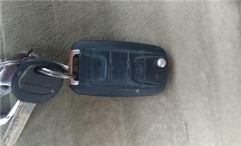 防盗门开锁修锁换锁安装指纹锁电话_开汽车尾箱锁 配遥控智能钥匙电话