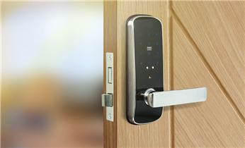 开锁公司电话-开锁维修锁换锁体芯-电子智能指纹锁安装_开锁公司电话专业开锁维修锁换锁体芯配汽车遥控芯片钥匙