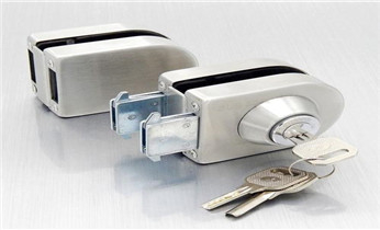 开锁公司电话-开修换卷帘门 挂锁钥匙 车控门 车库门锁_开锁公司电话-开锁维修锁换锁体芯-防盗门-保险箱柜