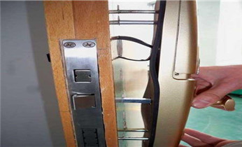保险柜箱开锁换锁修锁-更改电子指纹密码公司电话_开锁修锁换锁公司电话-防盗门/保险柜箱/汽车开锁