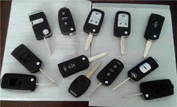 开修换铁锁 挂锁 抽屉锁 铁门锁 木门锁_摩托车汽车专业开锁修锁 匹配芯片钥匙电话