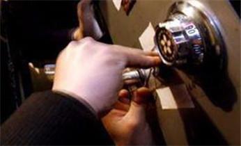 开锁换锁公司电话-电子智能保险柜箱开锁 维修 修改密码_开锁公司电话-开锁维修锁换锁体芯-电子智能指纹锁安装