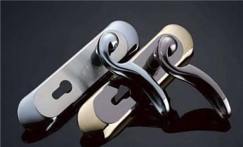 附近正规专业开锁换锁芯维修锁师傅公司的电话_附近上门专业开锁修锁换锁芯换锁公司电话