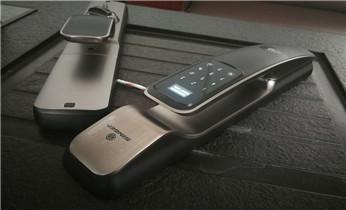 专业开修换安装电子指纹锁 开修保险柜密码锁公司电话_紧急开锁维修锁换锁体芯-电子智能指纹锁安装公司电话
