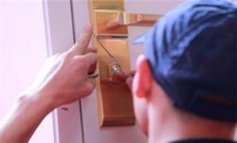 开保险柜锁公司电话-专业开锁修锁换锁芯匹配钥匙_开锁换锁公司电话-保险箱柜-防盗门-指纹锁安装