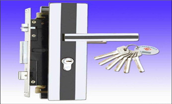 专业开汽车锁 配汽车防盗智能感应遥控钥匙_附近开换修锁指纹锁安装公司师傅电话